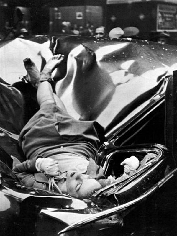 Evelyn_McHale_50